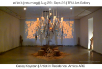 ek' èt' à (returning), at TRU Art Gallery, is the third installation of the Arnica Residency. He combines nature and technology.